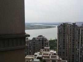 一流景观,低密度花园,三江国际丽城 130万 3室2厅2卫 带车位毛坯