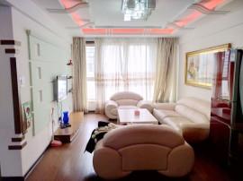 石葵秀景豪华装修3室家电全,拎包入住,此房属于附近区域的宝马